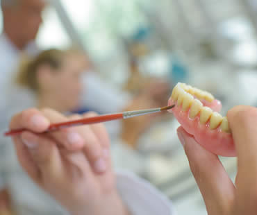 The Do's and Don'ts of Denture Care